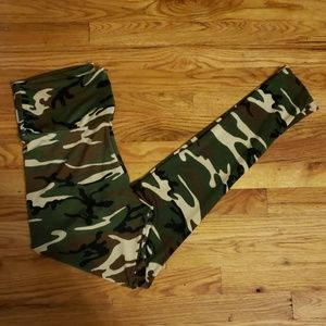 Pants - Women Camo/Army leggings